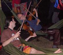 Klaus der Geiger in der Bambushütte, 2004